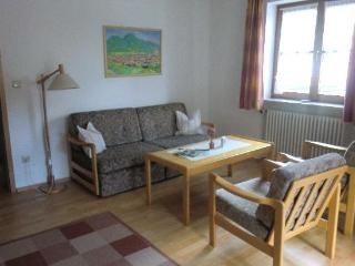 Vacation Apartment in Bad Hindelang - 646 sqft, allergy-friendly, quiet, central (# 3552), Obermaiselstein