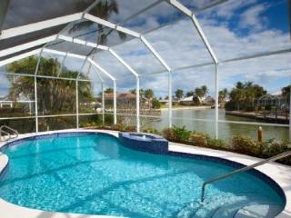 3bd, Wide Water View, Newly Renovated & Furnished, Marco Island