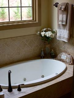 Master Bath-Cave Shower-Jetted Tub