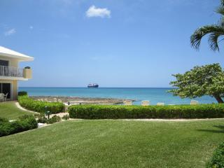 Beachfront Luxury Condo at a Great Price!, Grand Cayman