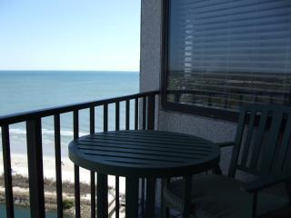 Balcony with table and 2 chairs - Great view