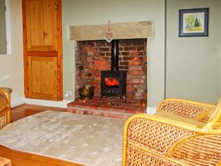 40 MILL ROAD, woodburner, enclosed garden, city centre location, Lincoln, Ref