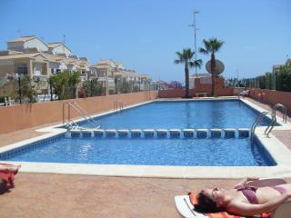 2 Bed Gated Air Con,  Ground Floor  Apartment Los Altos,Torrevieja Costa Blanca.