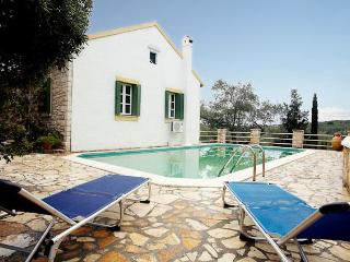 Country House (Paxos), Magazia