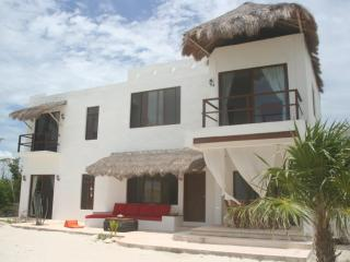 Beautiful beach house for rent 3 bedrooms, Holbox