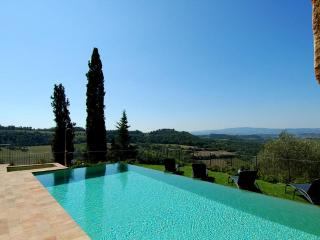 pool with view at villa il santo