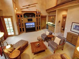 Fall in love with this CO vacation home!