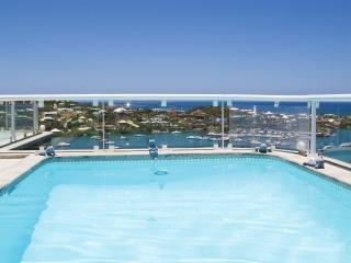 Spacious Private Villa, Ocean Views, Concierge
