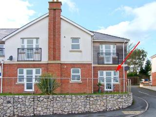 BEACH VIEW, pet-friendly apartment near beach and amenities in Benllech Ref