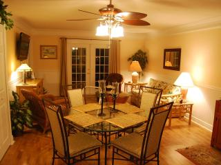 Luxury Condo - Close to beach -WiFI - great rates!, Fernandina Beach