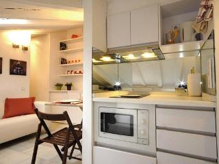 APARTMENT IN GRAN VIA CHUECA