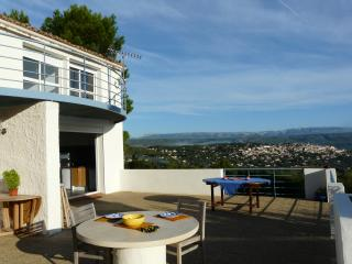 L'Amiradou 4 bedroom villa with pool & views, La Cadiere d'Azur
