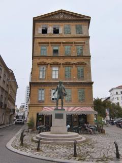 Street Nestroyplatz