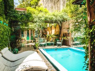 Colonial Style, 2 Br, Pool Solarium