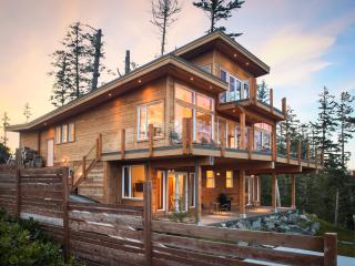 Vacation Rental in Ucluelet, Hot Tub/Private Beach