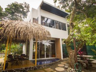 Family Beachfront Villa at the Espadilla Ocean Club!