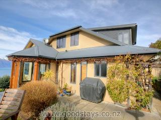 Modern home, panoramic location with views to match, close to downtown., Queenstown