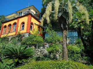 Delightful home with shared pool, Rapallo
