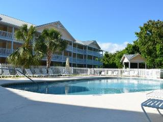 Beautiful Two Bedroom Condo - Summer Time Available Now!!, Panama City Beach
