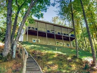 The Trout Snout, Private, View of a rushing creek. 4 BR, 2 1/2 Baths, Private, Pristine., Burnsville