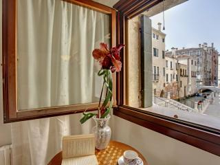 Lovely apartment Ca' del Rio, 7 minutes to Rialto,, Venedig