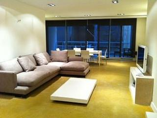 Large 3 Bedroom A/C Side Seaview Apt FREE Wifi, Sliema