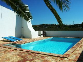cosy country house w/ pool next to Burgau beach, Lagos