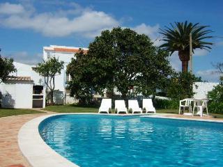 Nice 2 bdr villa on countryside, next Burgau beach, Lagos