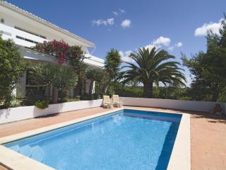 Lovely 3bdr villa next to famous Salema Beach