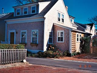 3 Bedroom 4 Bathroom Vacation Rental in Nantucket that sleeps 6 -(10374)