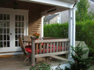 3 Bedroom 4 Bathroom Vacation Rental in Nantucket that sleeps 6 -(10374)