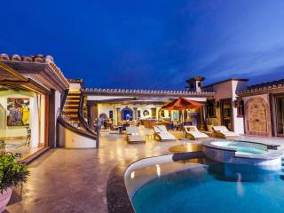*SECURE*-Double-gated community, Infinity Pool, Fundadores Beach Club Access, San Jose del Cabo