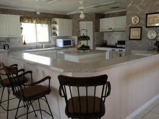 Huge Kitchen, fully equipped and with oceanviews without leaving your seat