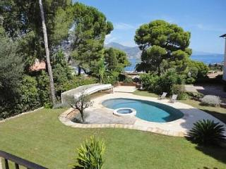 New! 3BD/2.5BA heated pool garden seaview parking, St-Jean-Cap-Ferrat