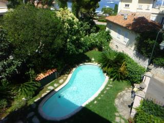New!St Jean Cap Ferrat 2BD/2BA heated pool garden