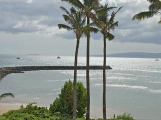 Direct OCEAN FRONT Luxury Condo at very low rates!, Maalaea