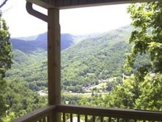 Mountain Suite With Stunning Views & Deck Dining – semesterbostad i North Carolina Mountains