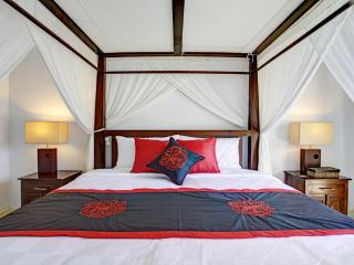 Master bedroom , King size Four Poster Bed