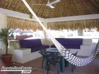 Outdoor, palapa living and dining room