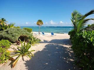Tanik Beachfront Condos, Half Moon Bay, Akumal, Mexico