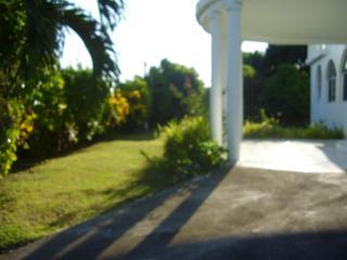 MY YARD Bed & Breakfast accommodation, Oracabessa