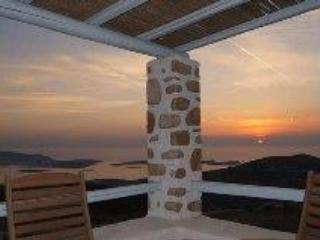 Beautiful villa & fantastic view of Greek islands, Parikia