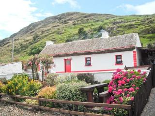 CRONKEERIN THATCHED COTTAGE, detached, woodburner, off road parking, in Ardhara, Ref 22250, Ardara