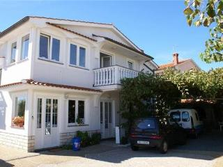 10037-Apartment Krk, Baska