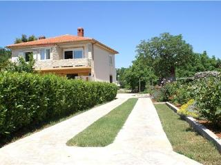 10054-Apartment Krk, Baska