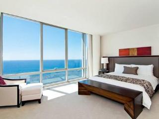 Waikiki Trump King Penthouse/Ocean Views!, Honolulu