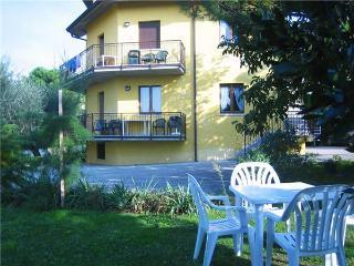 15364-Apartment Lazise