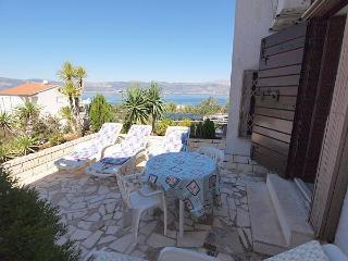 16341-Apartment Trogir, Slatine