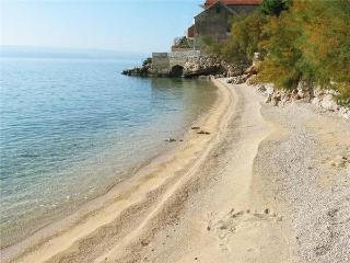 16740-Apartment Omis, Pisak