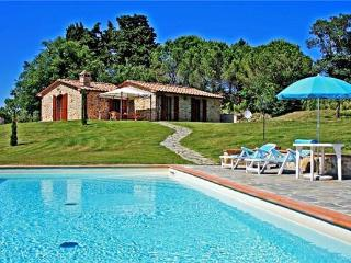 2 bedroom Villa in Radicondoli, Tuscany, Italy : ref 2064158, Montalcinello